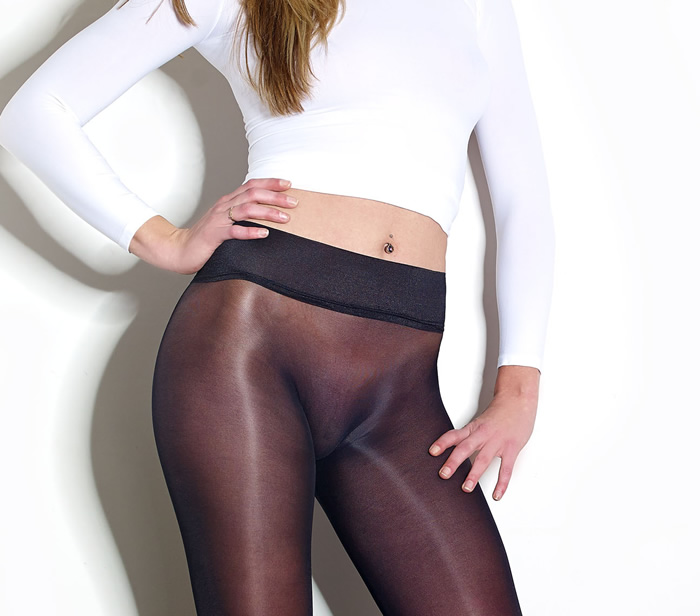 Shapings Krystelle 30 Seamless Pantyhose