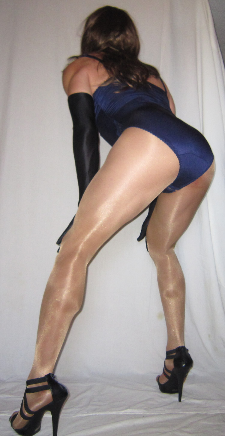 View 3:58 crossdresser in pantyhose mild there
