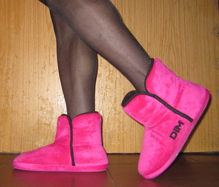 Fuscia Dim slippers and black pantyhose