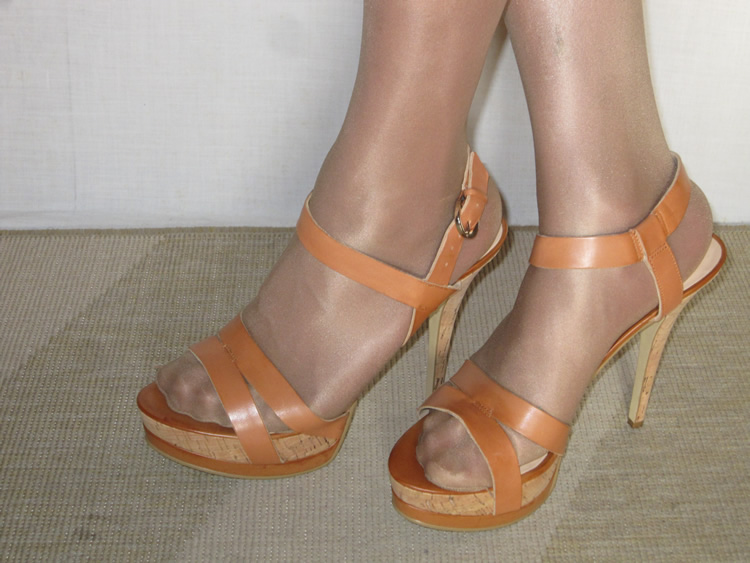 Guess Geary Sandals