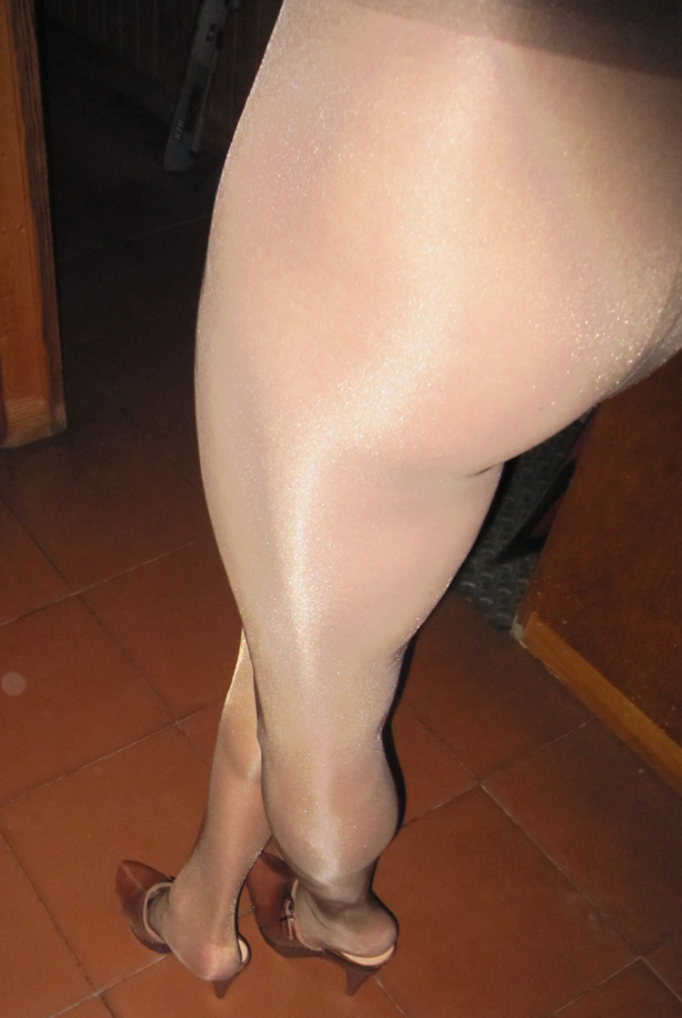 Nude in Oroblu Pantyhose and Clogs